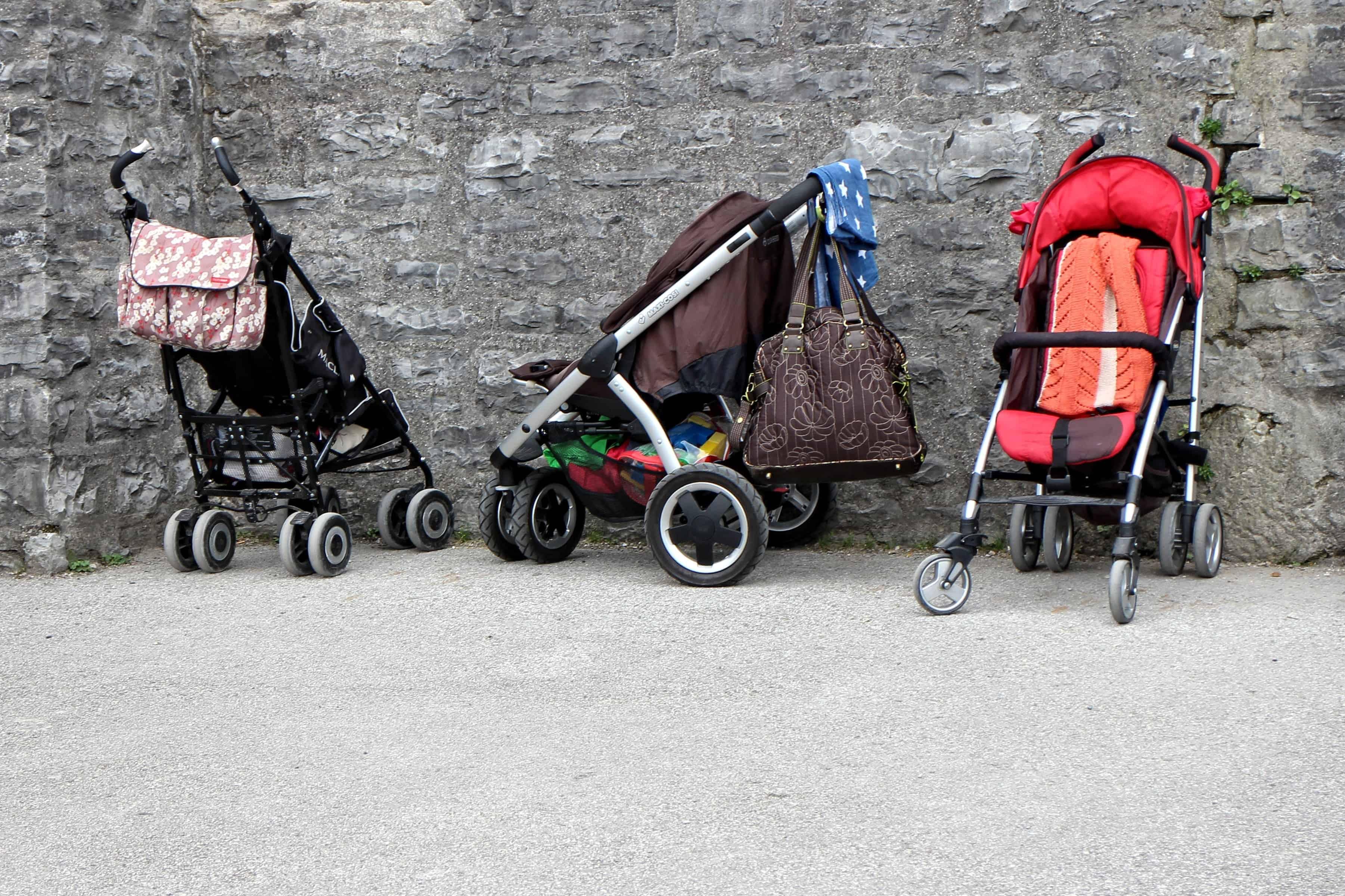 Däck till barnvagnar